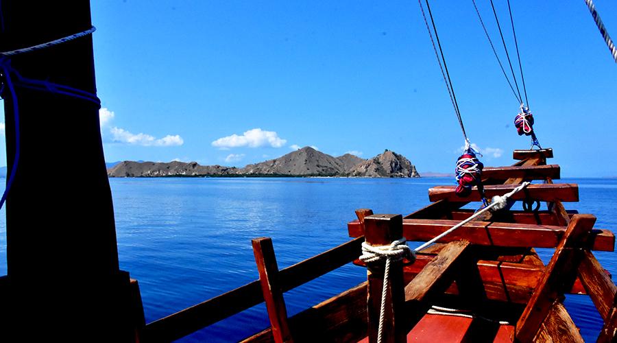 komodo island liveaboard tour